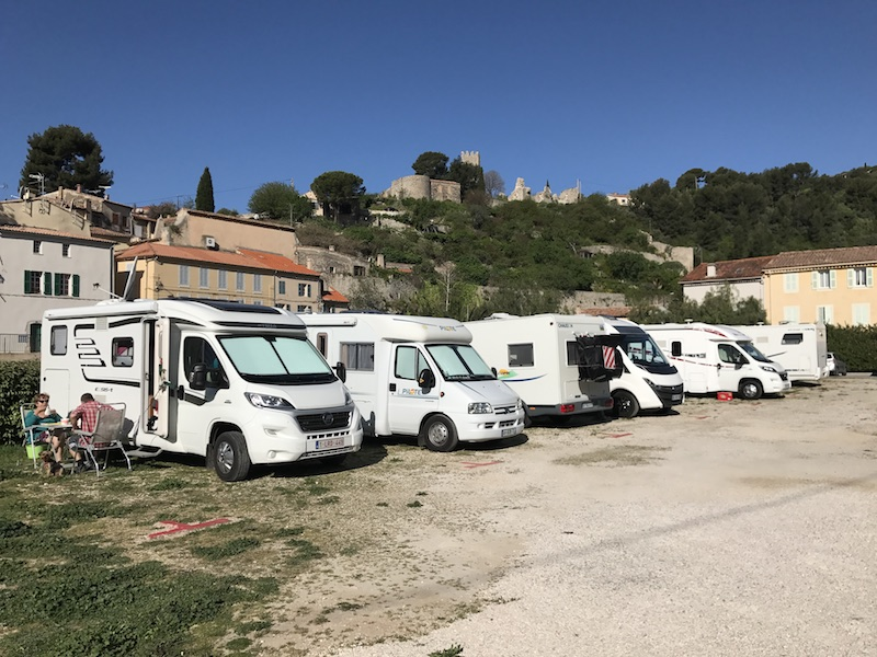 Aire camping-car à Ollioules (83190) - Photo 1